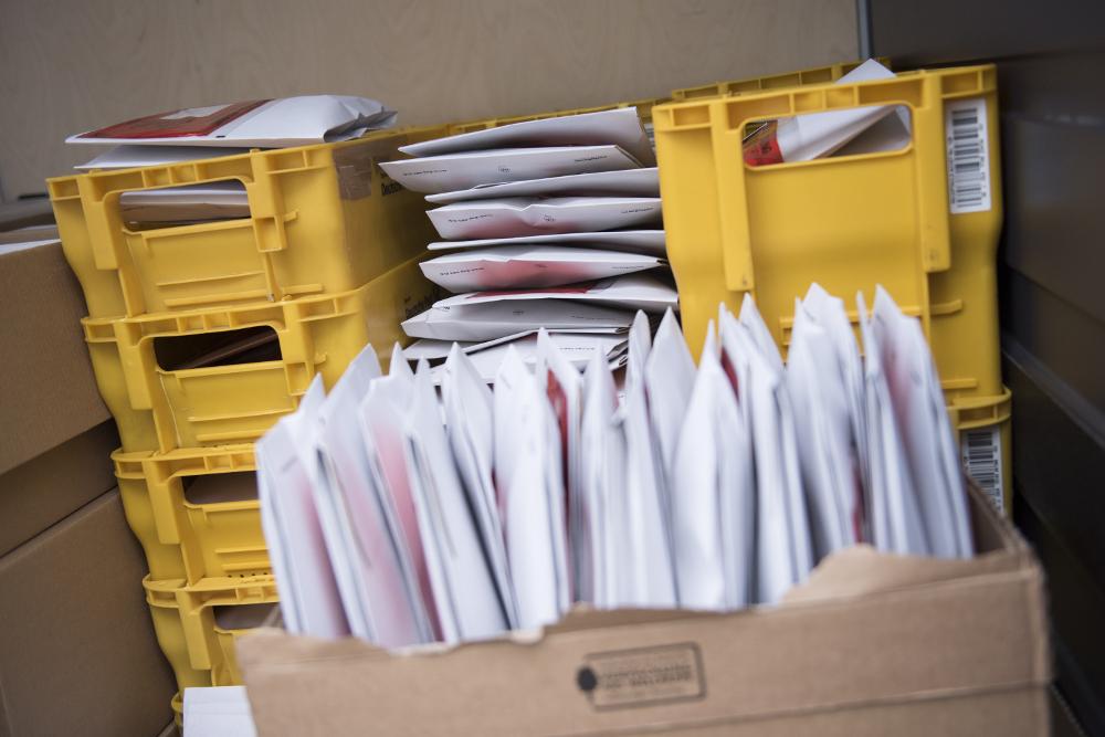 Mehr als 600 Anschreiben mit BNDal-Forte Dosen auf dem Weg zu den Bundestagsabgeordneten…