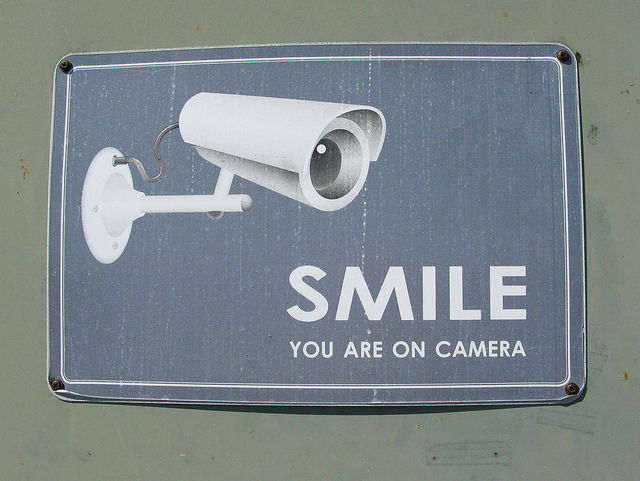 Schild: Smile you are on cam