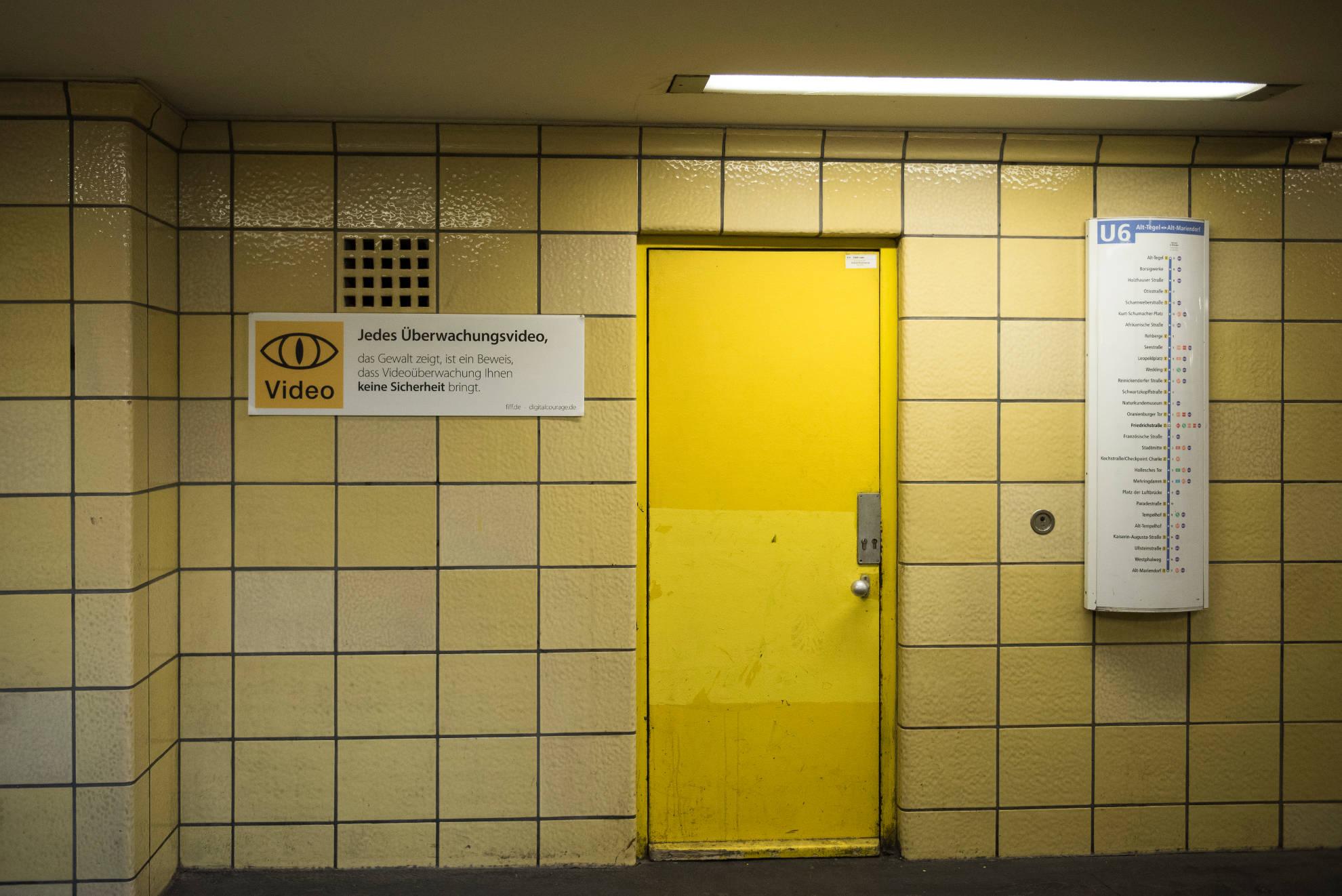 Unsere Schilder wiegen Fahrgäste nicht in falscher Sicherheit.